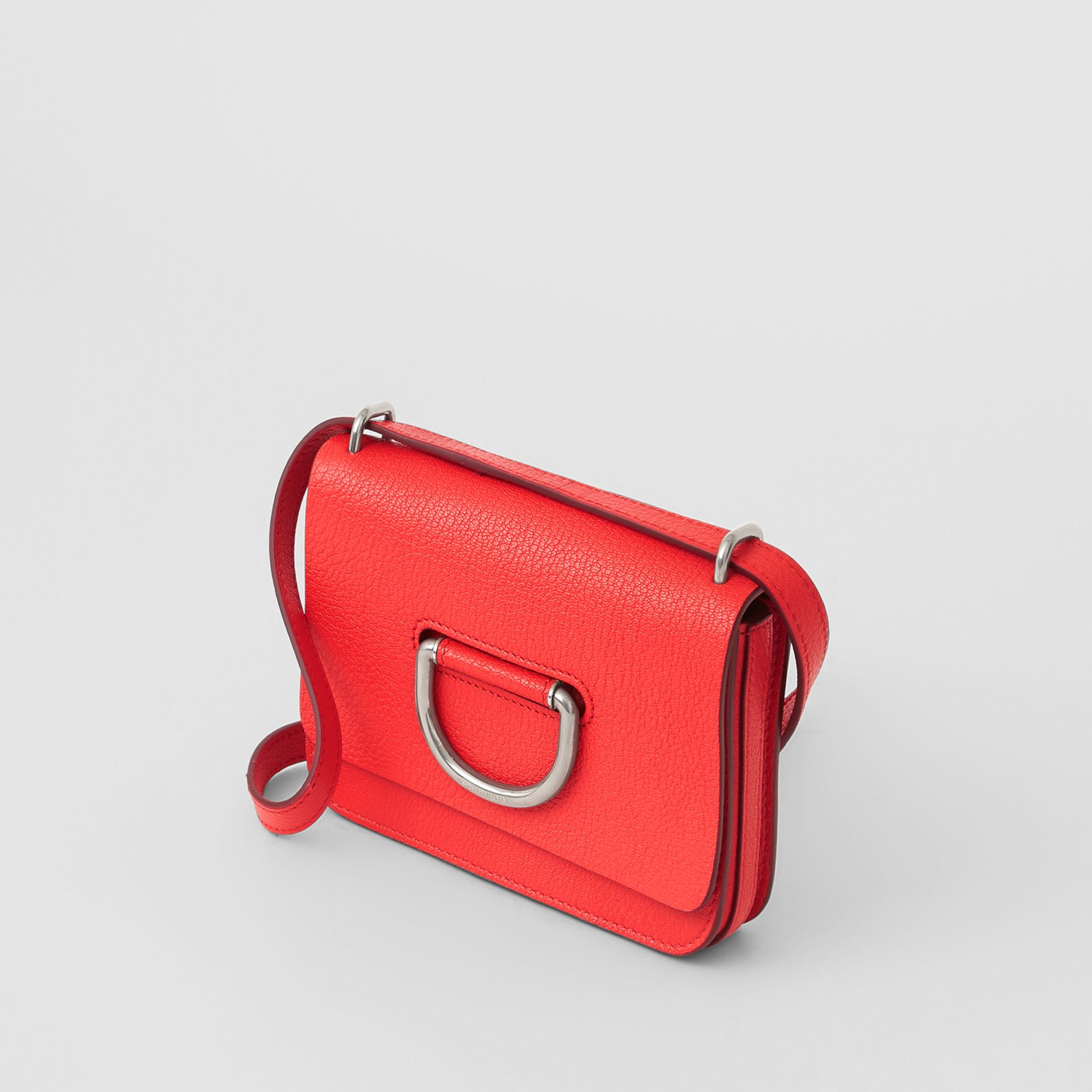 Mini sac The D-ring en cuir (Rouge Vif) - Femme | Burberry Canada - photo de la galerie 4