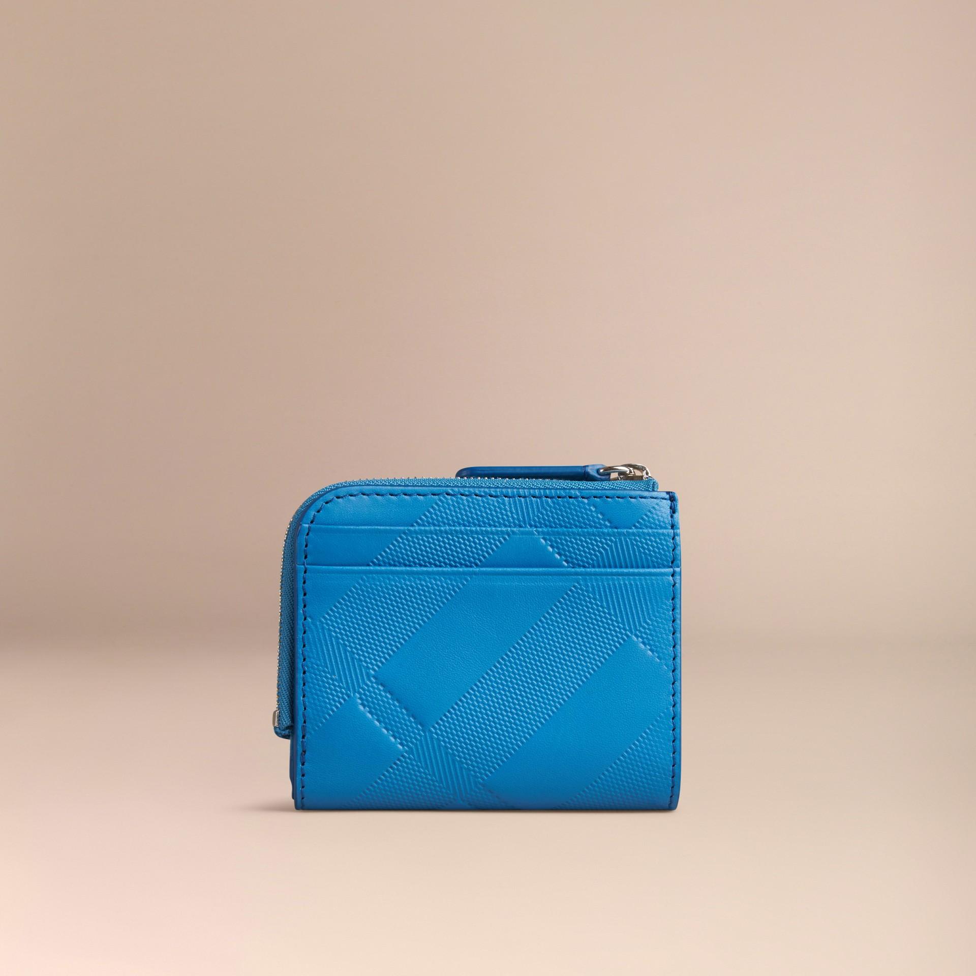 Лазурно-голубой Складной бумажник из кожи с тиснением в клетку Лазурно-голубой - изображение 4