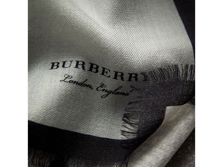 Pallas Helmet Motif Cashmere Scarf in Grey - Men | Burberry Hong Kong - cell image 1
