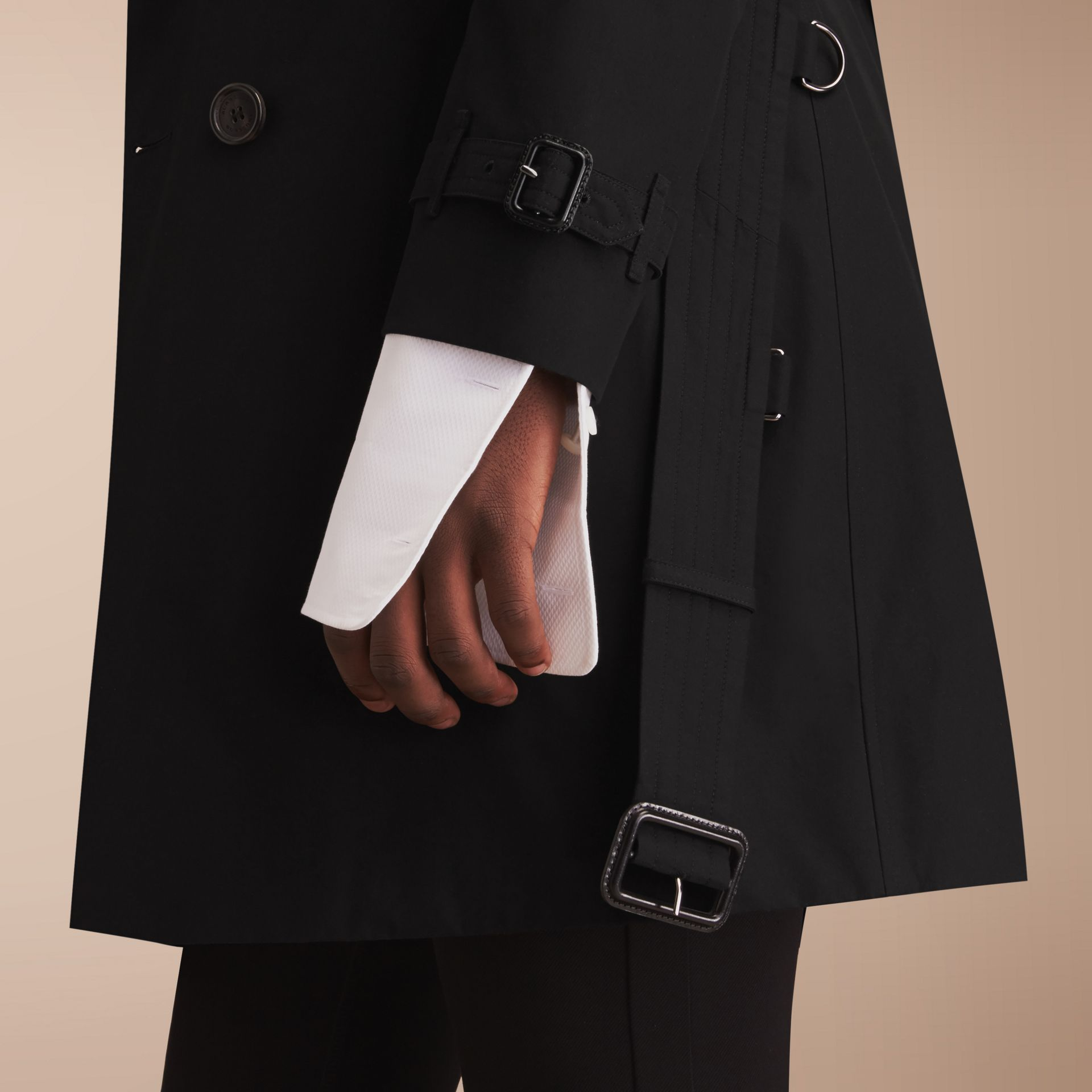 The Chelsea – Long Heritage Trench Coat in Black - Men | Burberry - gallery image 5