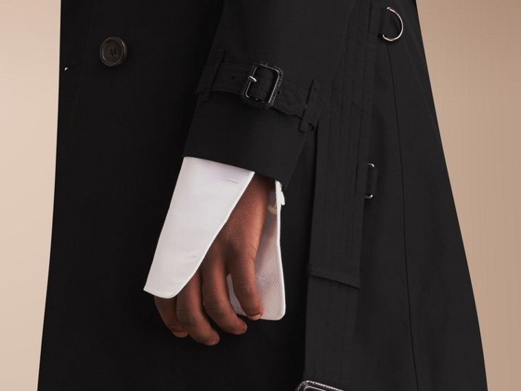 The Chelsea – Long Heritage Trench Coat in Black - cell image 4