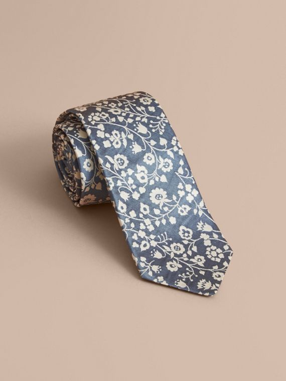 Corbata de pala moderna en jacquard de seda floral (Azul Pálido)