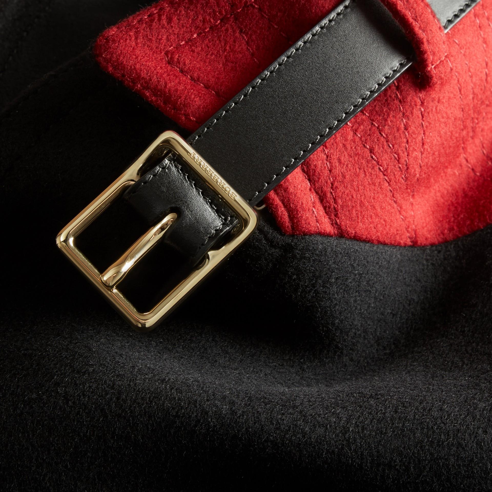 Nero Pea coat in lana e cashmere con collo amovibile in pelliccia - immagine della galleria 2