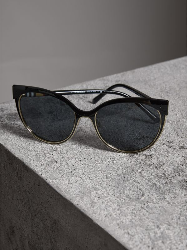 Cat-eye Frame Sunglasses in Black - Women | Burberry Canada - cell image 2