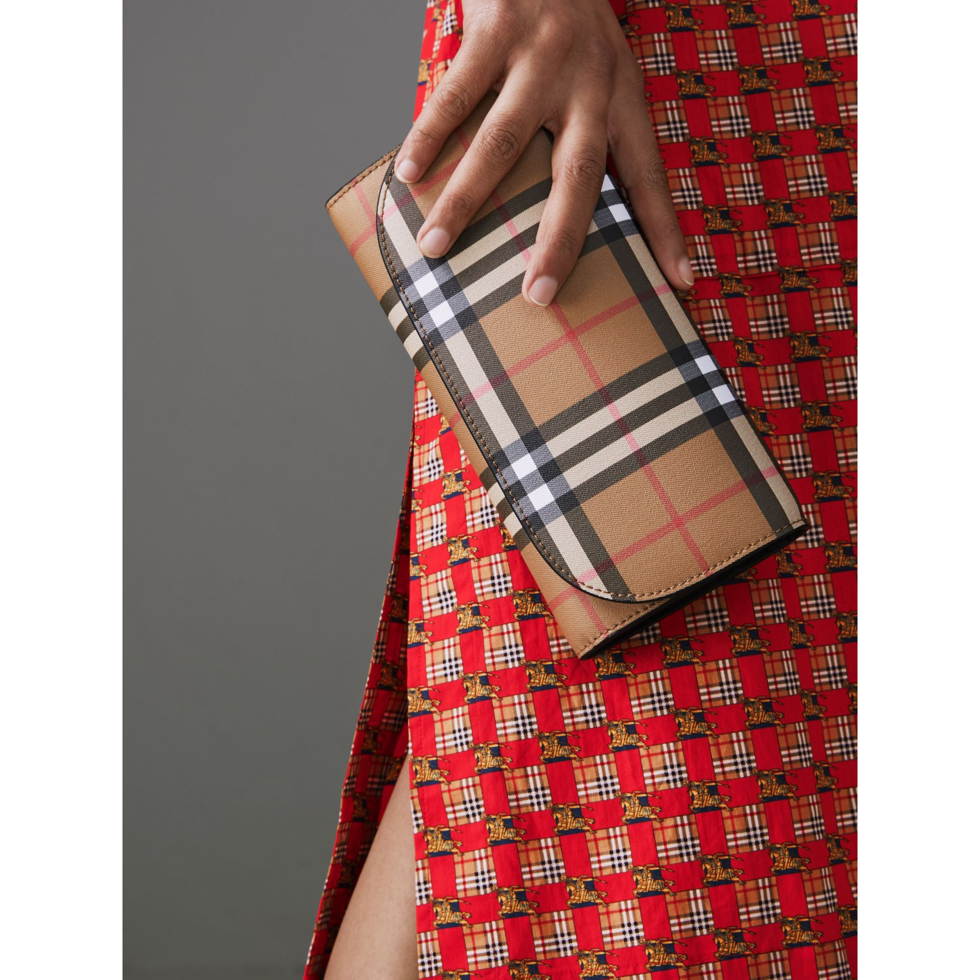 Detachable Strap Vintage Check Leather Wallet in Black - Women | Burberry - gallery image 3