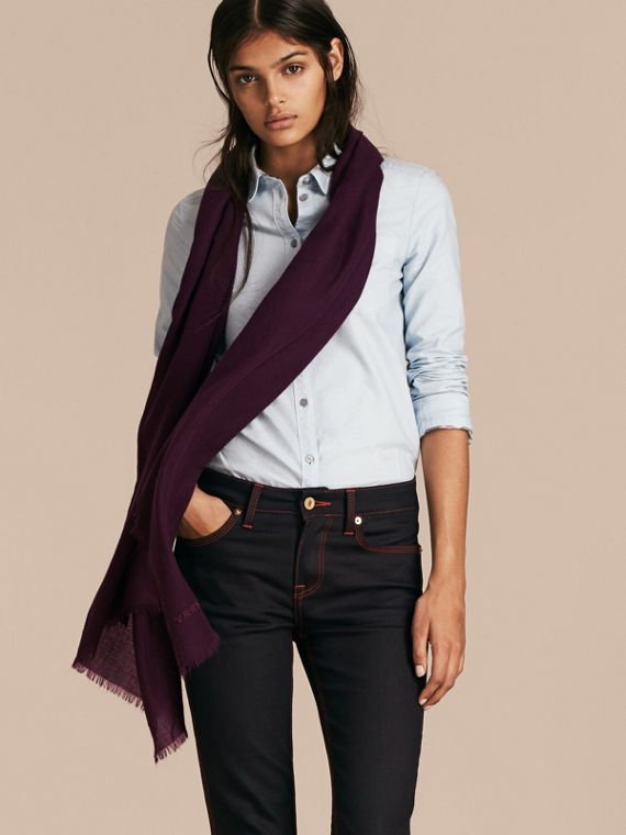 Aubergine The Lightweight Cashmere Scarf Aubergine - cell image 2