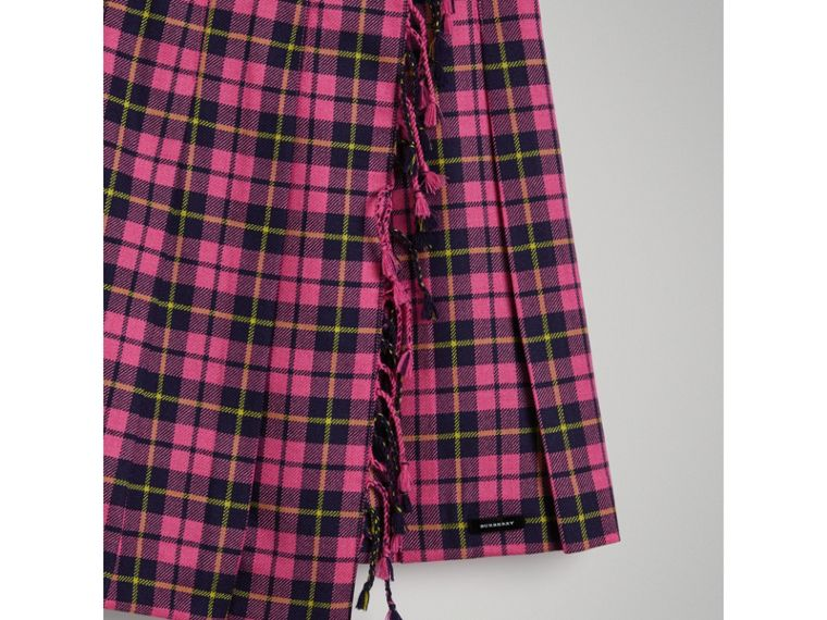 Fringe Detail Tartan Wool Kilt in Neon Pink - Girl | Burberry - cell image 4