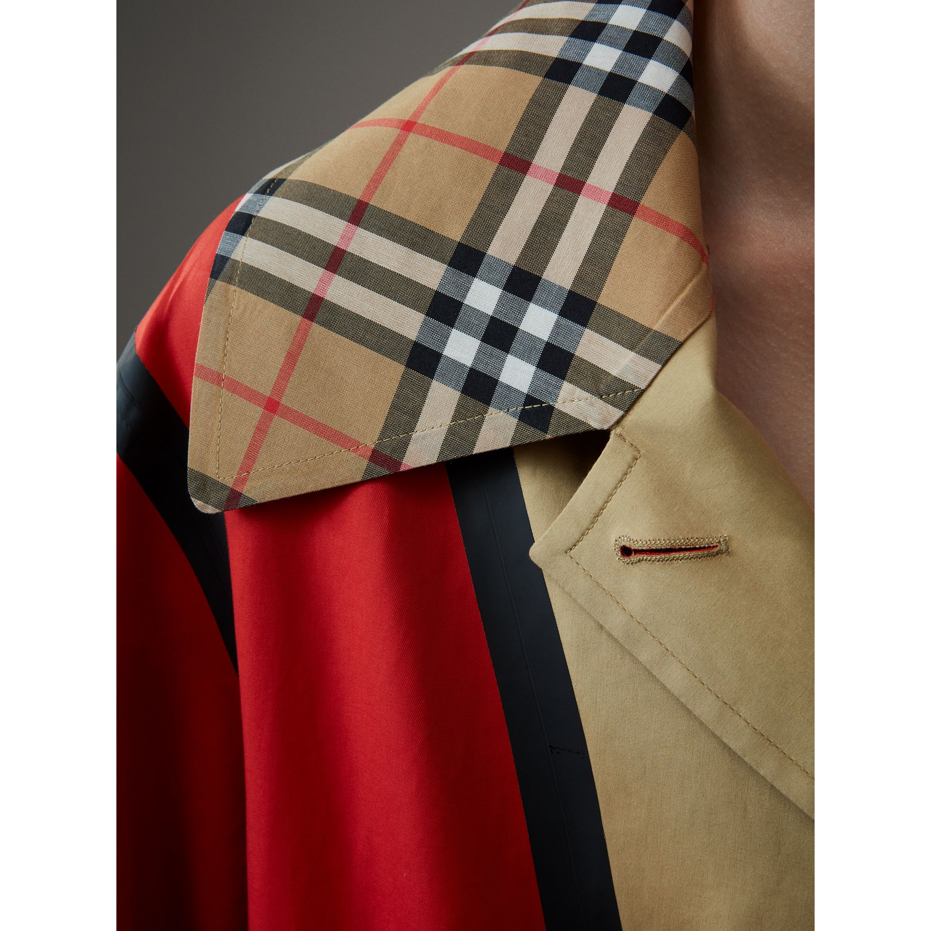 Bonded Cotton Oversized Seam-sealed Car Coat in Red/beige - Women | Burberry United Kingdom - gallery image 4