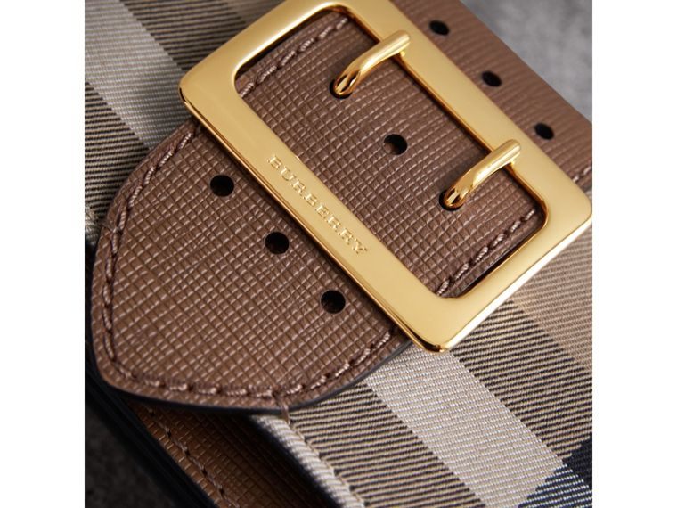 Borsa The Buckle piccola con motivo House check e pelle (Marroncino) - Donna | Burberry - cell image 1