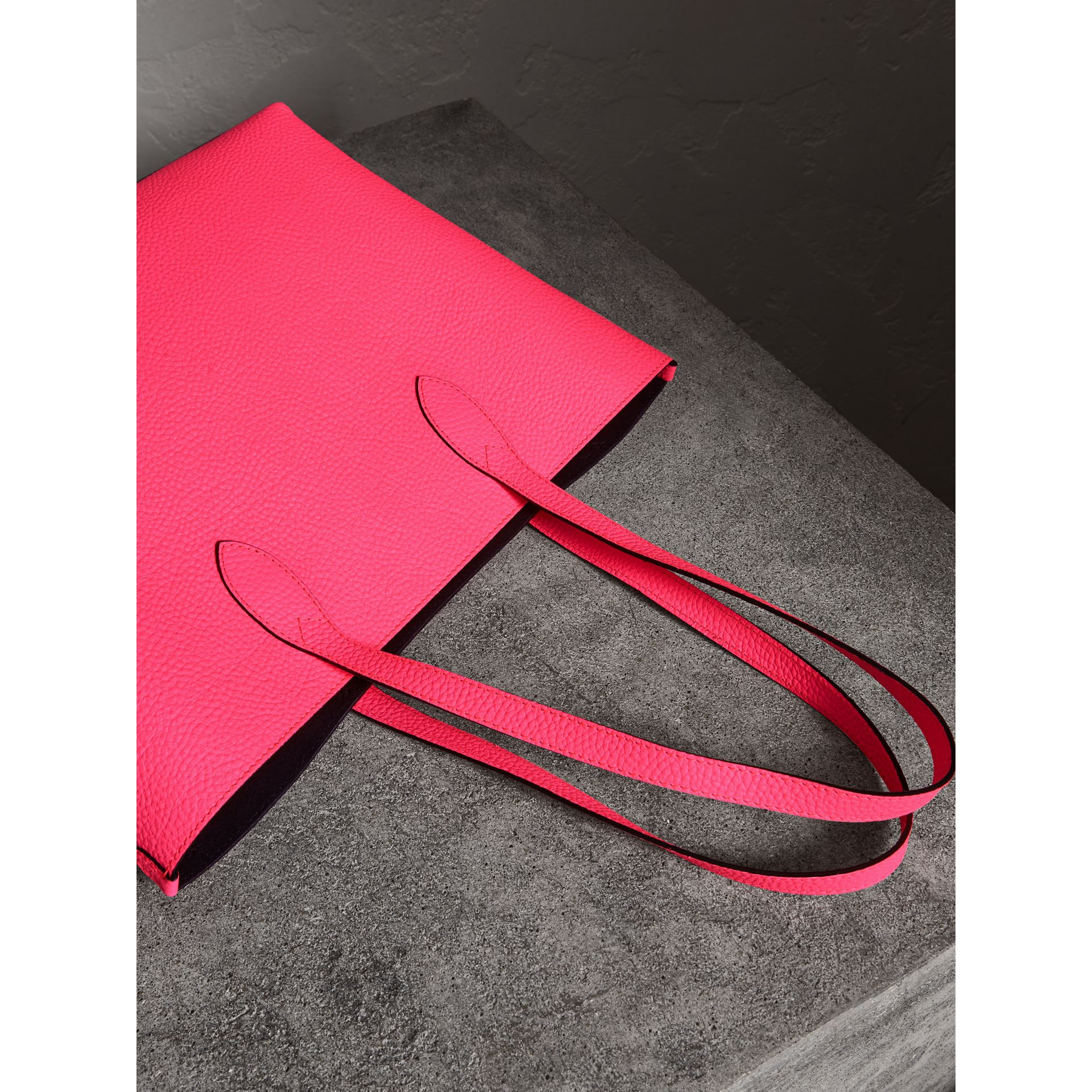 Embossed Leather Tote in Neon Pink | Burberry United Kingdom - gallery image 4