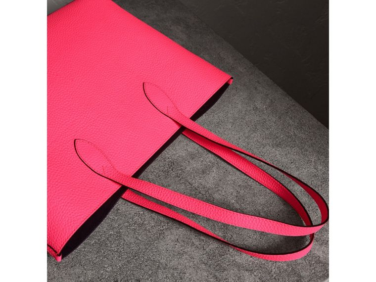 Embossed Leather Tote in Neon Pink | Burberry - cell image 4
