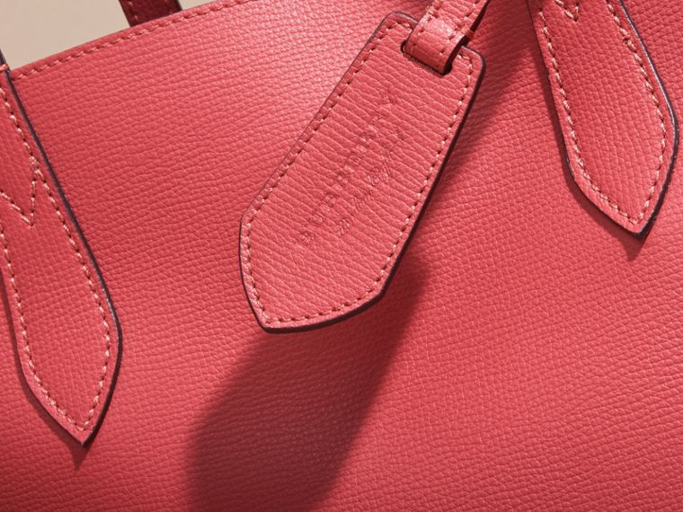 The Small Reversible Tote in Haymarket Check and Leather Coral Red - cell image 1
