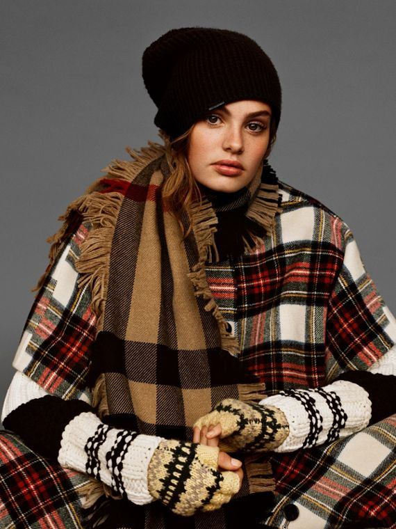 Fringed Check Wool Scarf in Camel | Burberry Hong Kong - cell image 3