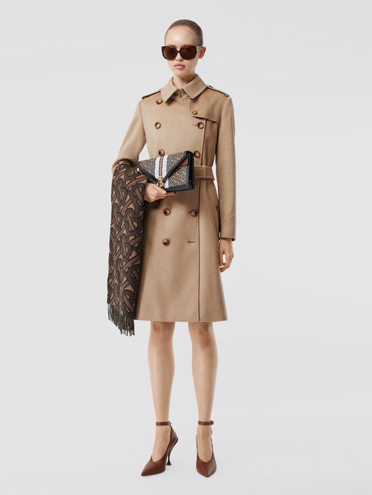 Trench en cachemire in Camel