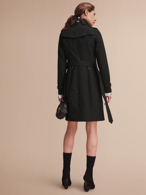 The Sandringham – Long Heritage Trench Coat in Black - Women | Burberry - cell image 2