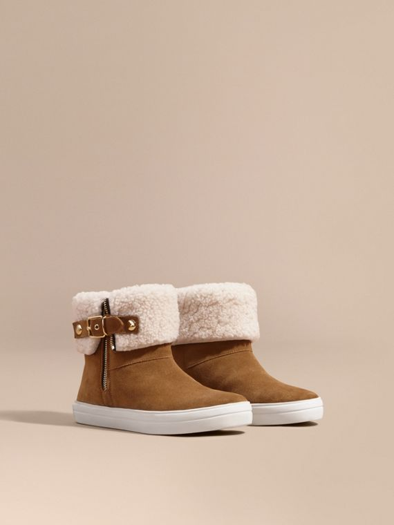 Shearling-lined Suede Ankle Boots Oak Brown