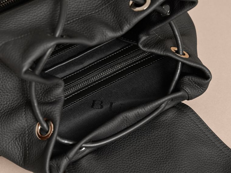 The Medium Rucksack in Deerskin with Resin Chain in Black - cell image 4
