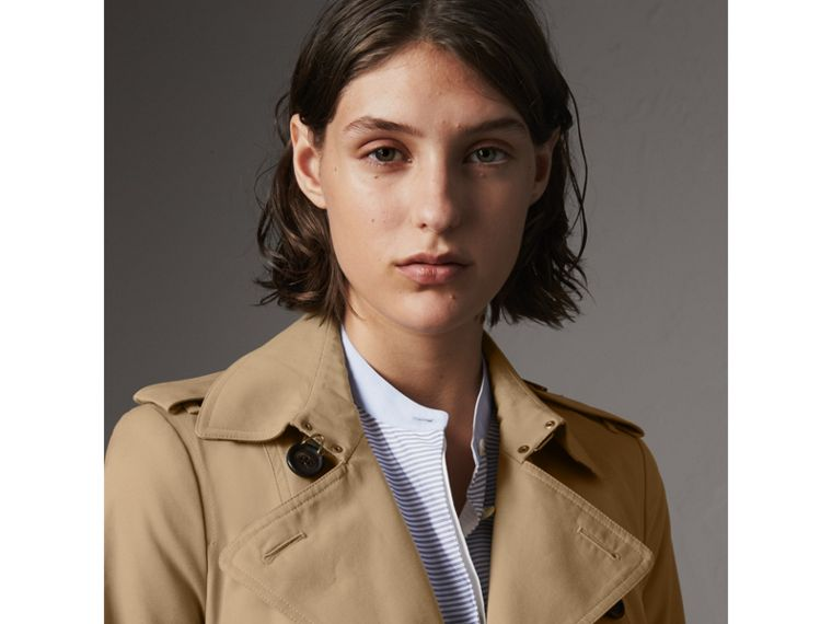 The Sandringham – Long Trench Coat in Honey - Women | Burberry Australia - cell image 4