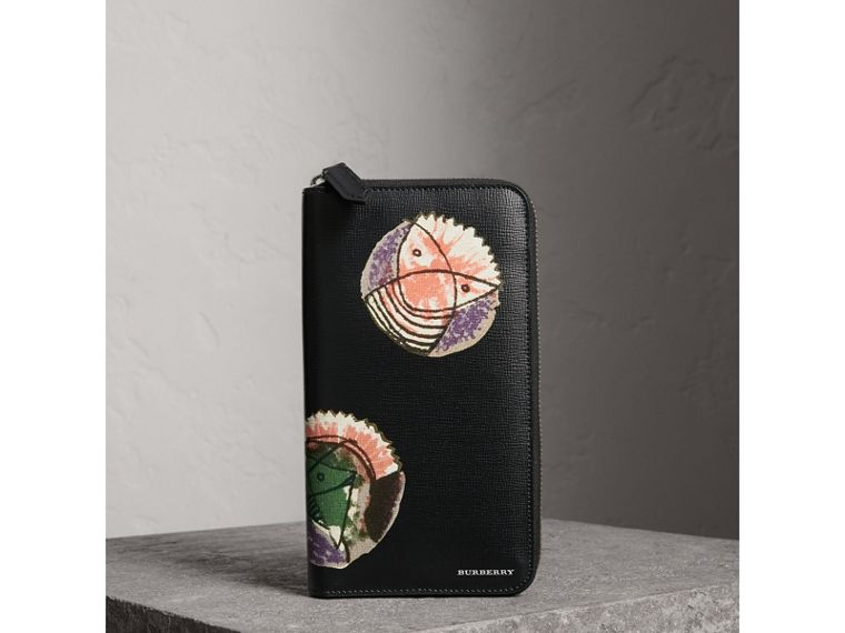 Pallas Heads Print London Leather Ziparound Wallet in Black - Men | Burberry - cell image 4