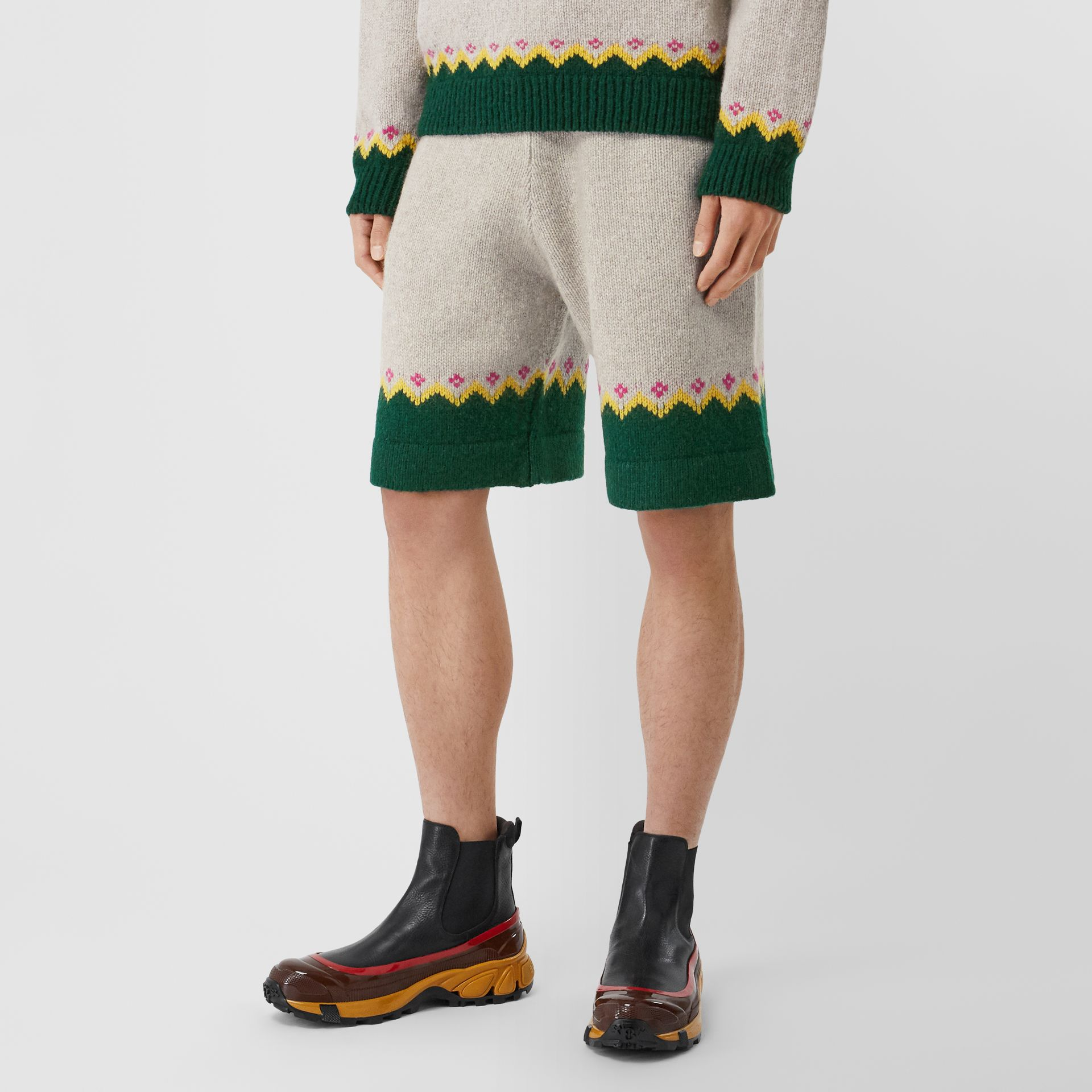 Fair Isle Wool Drawcord Shorts in Sesame - Men | Burberry Hong Kong S.A.R - gallery image 5
