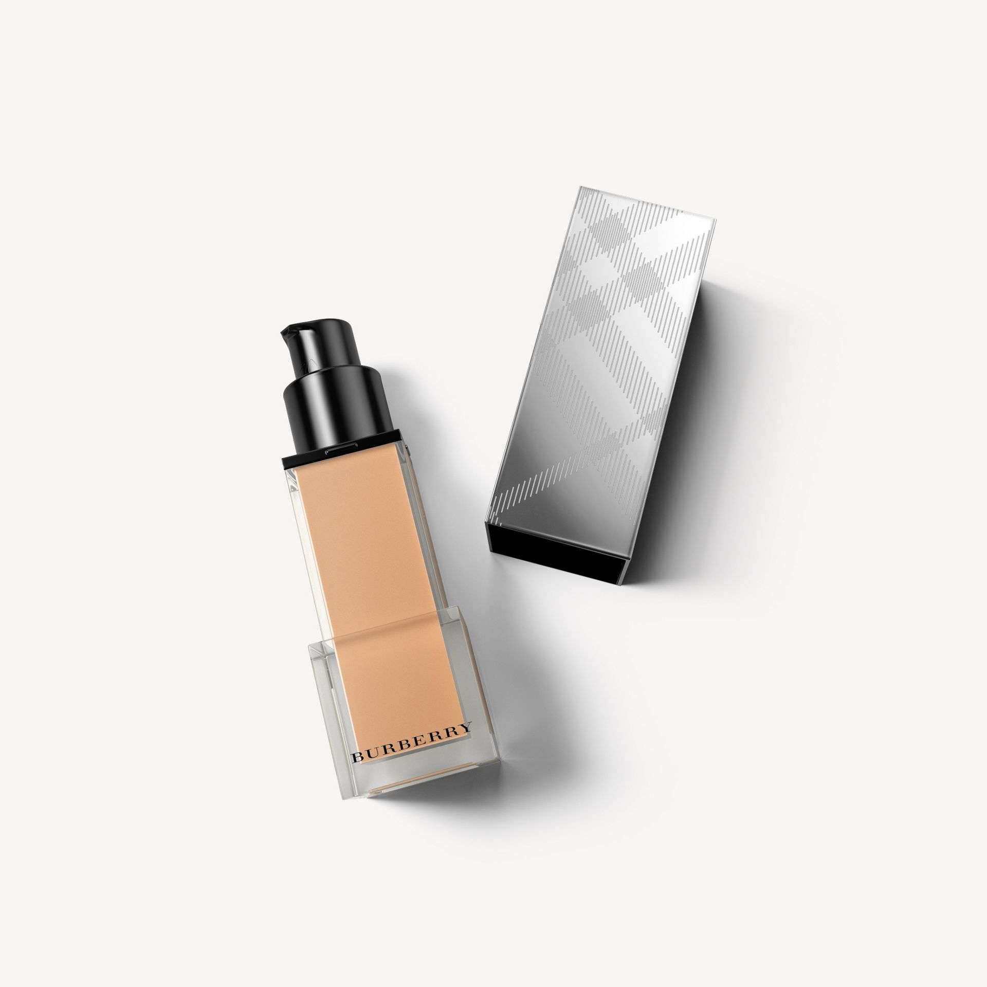 Fresh Glow Foundation SPF 15 PA+++ – Warm Nude No.34 - Women | Burberry - gallery image 1