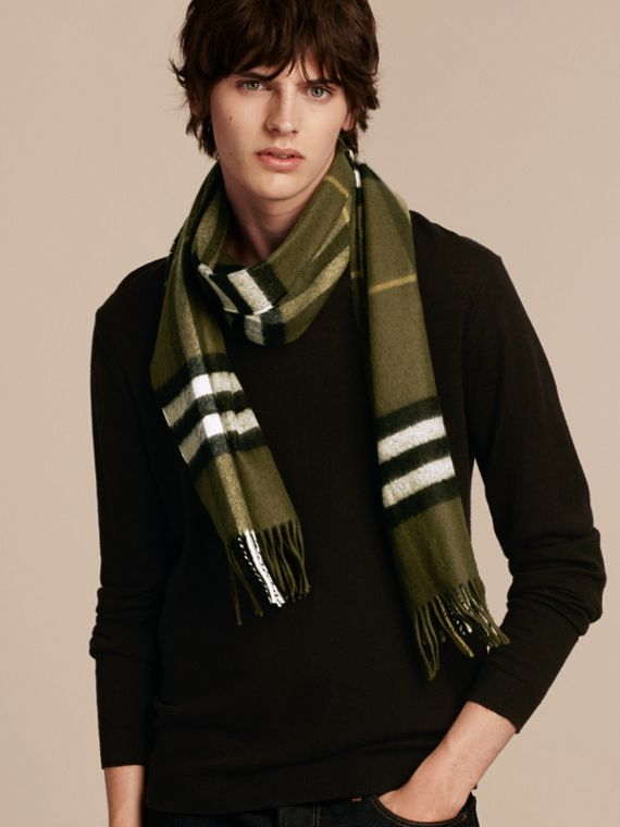 Olive green The Classic Cashmere Scarf in Check Olive Green - cell image 3