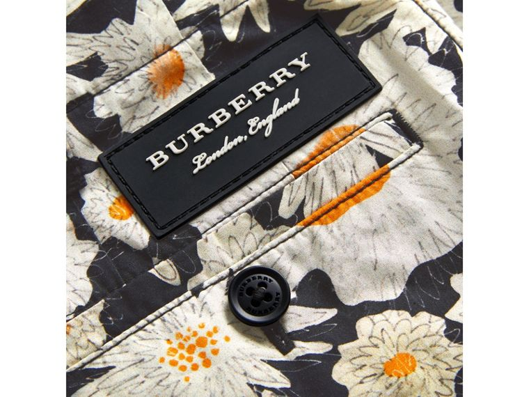 Daisy Print Cotton Chino Shorts in Black - Boy | Burberry - cell image 1