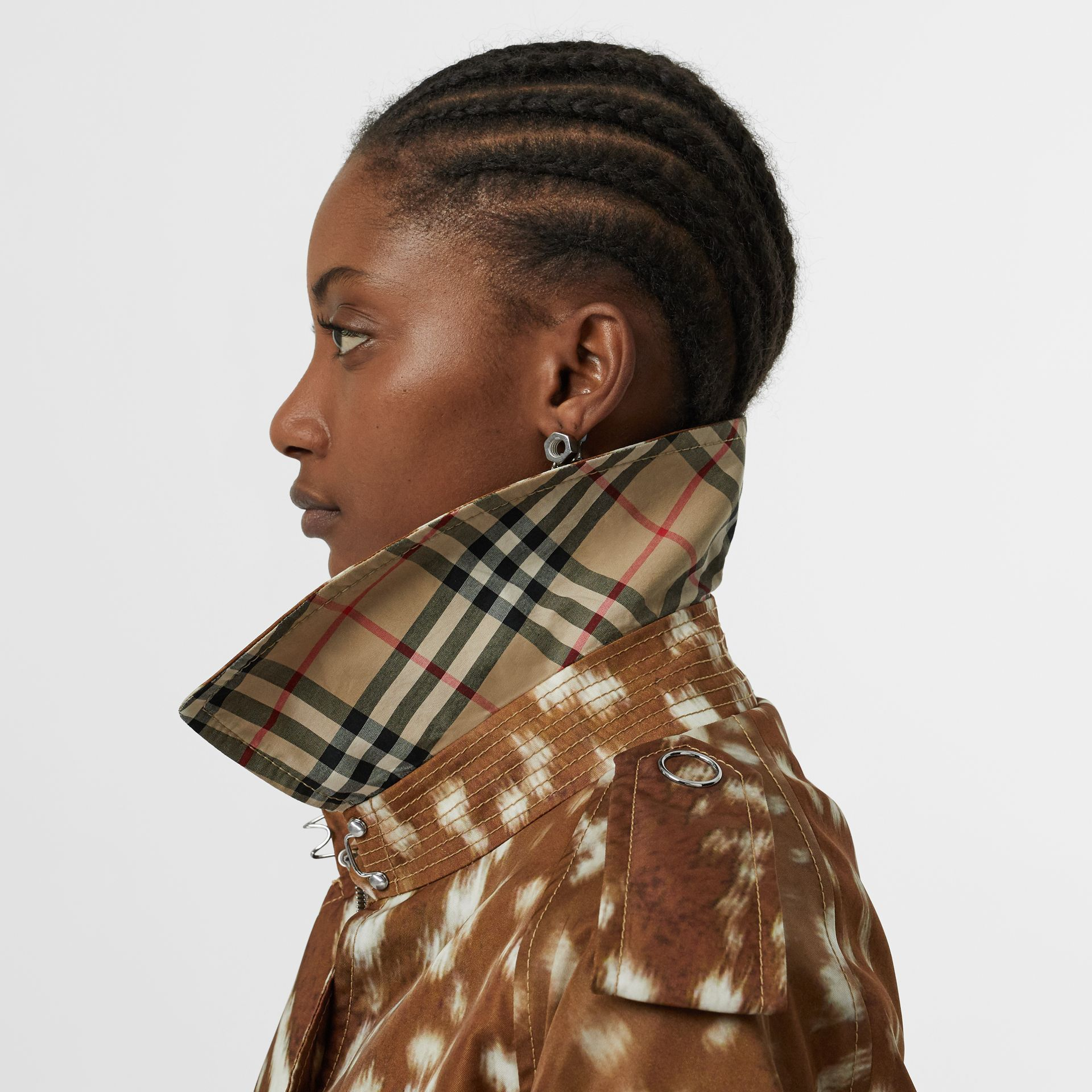 Exaggerated Cuff Deer Print Nylon Trench Coat in Honey - Women | Burberry - gallery image 4