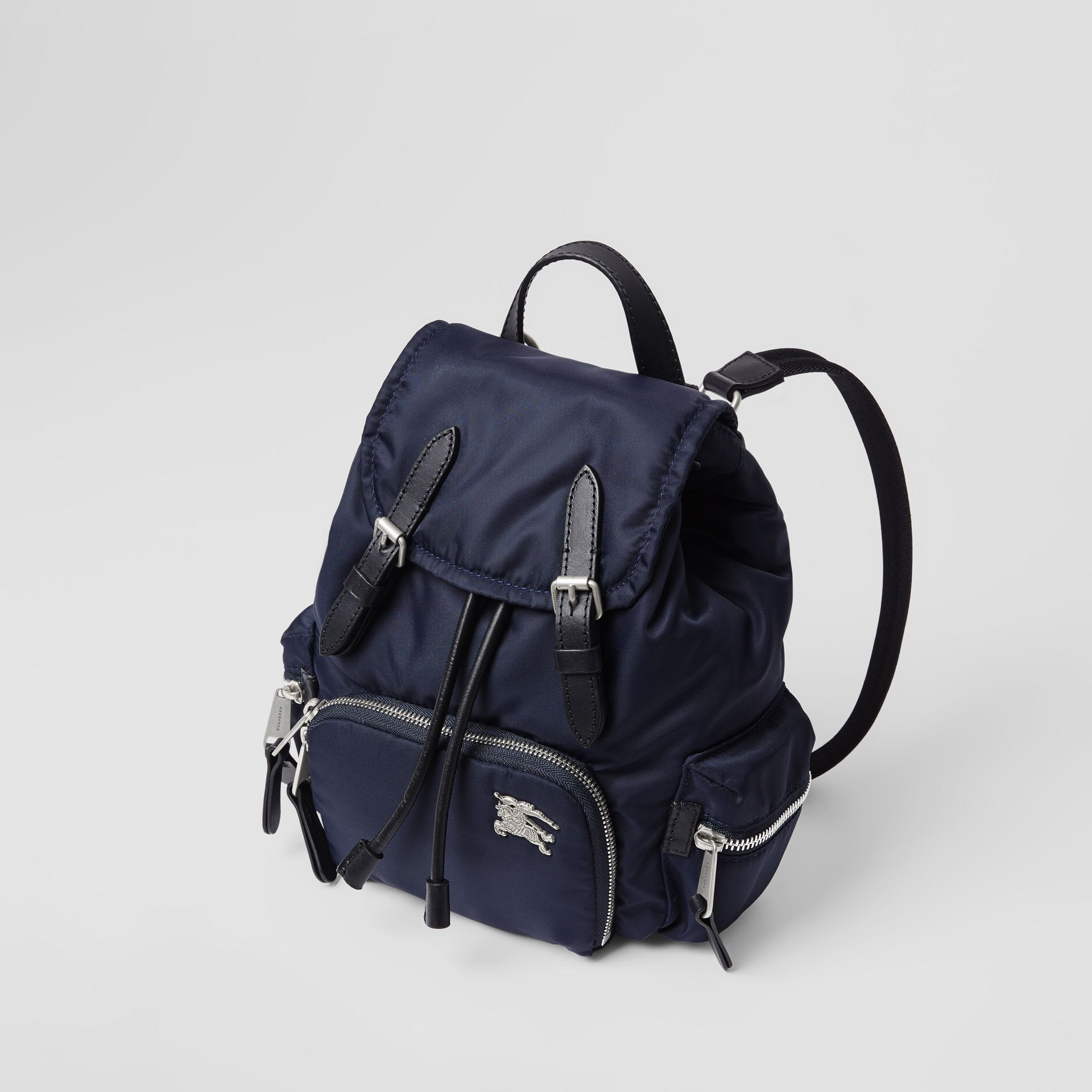 The Small Crossbody Rucksack aus wattiertem Nylon (Tintenblau) - Damen | Burberry - Galerie-Bild 2