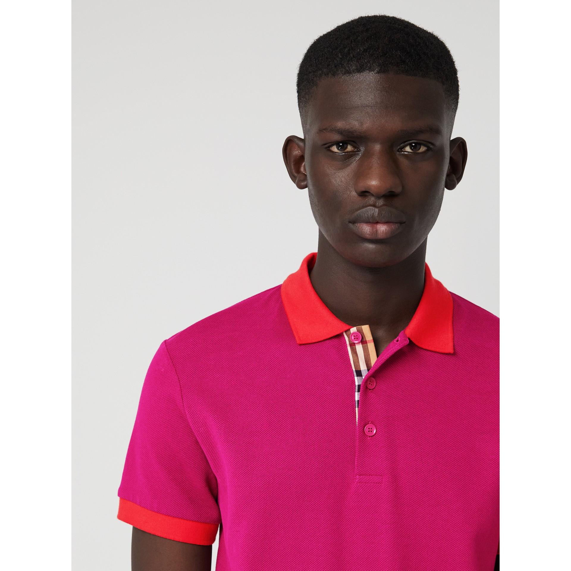 Polo en coton avec col contrastant (Rose Prune) - Homme | Burberry Canada - photo de la galerie 1
