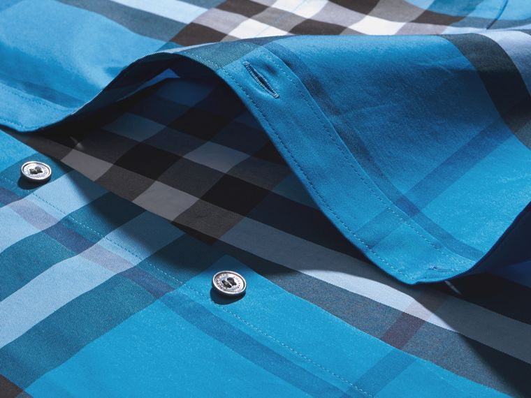 Camicia in cotone stretch con motivo tartan (Blu Intenso) - Uomo | Burberry - cell image 1