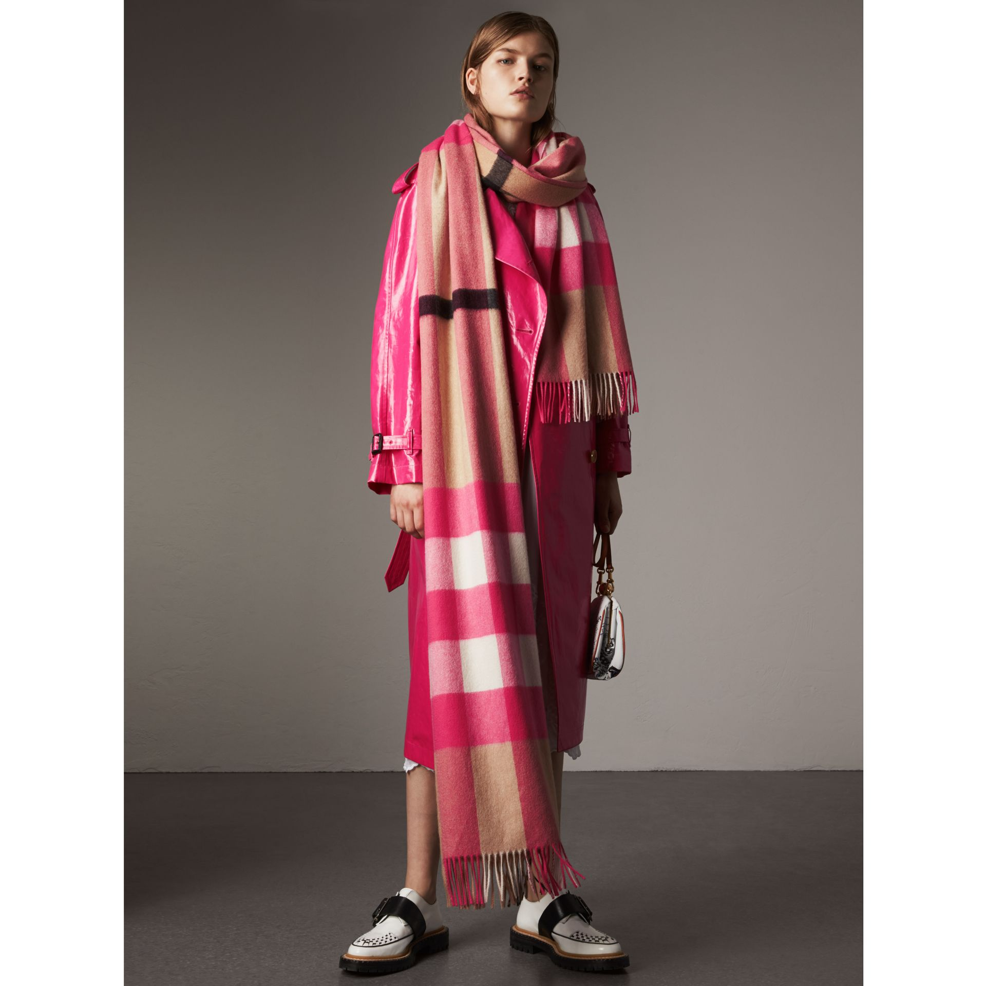 Oversize Check Cashmere Scarf in Bright Peony | Burberry United Kingdom - gallery image 2