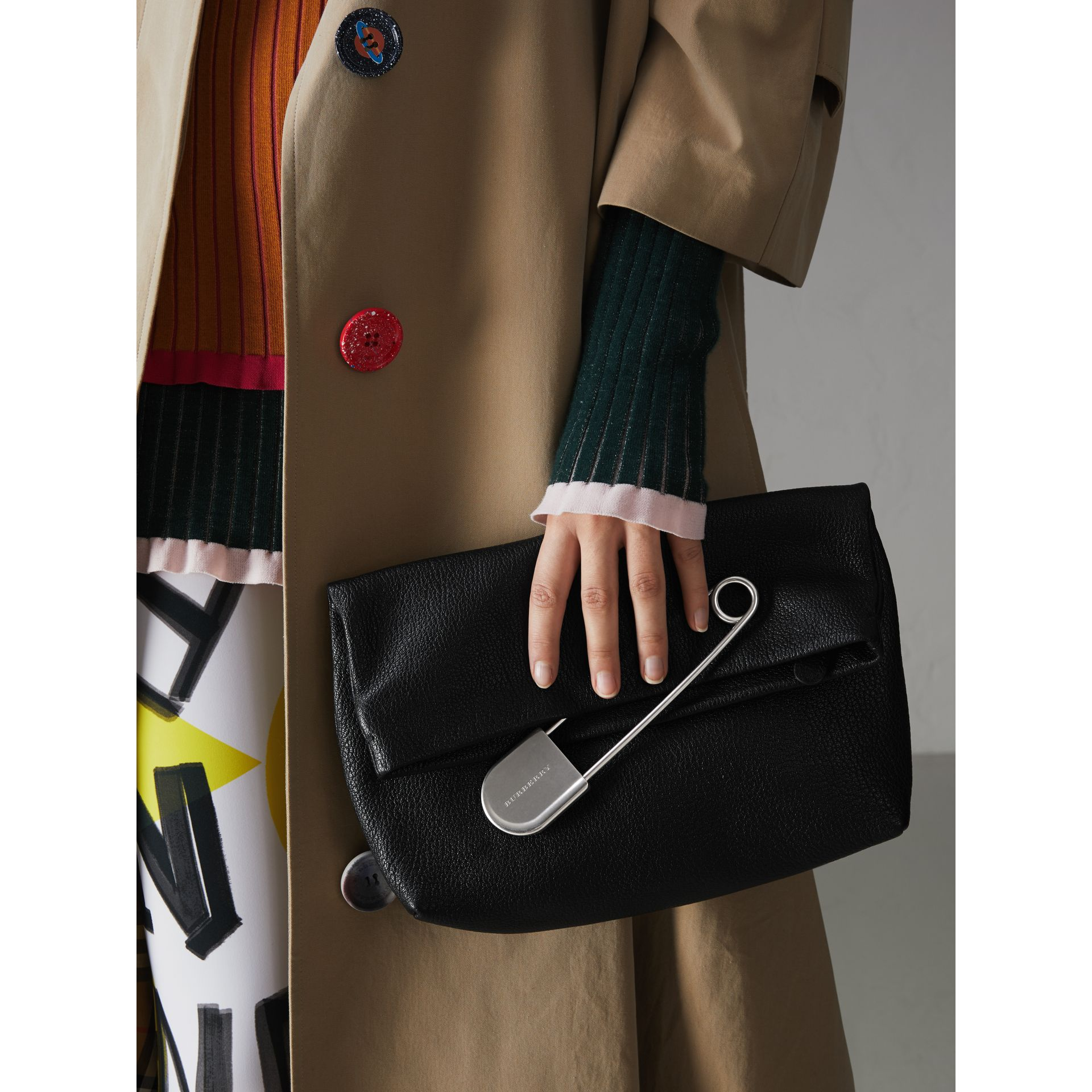 The Medium Pin Clutch in Leather in Black - Women | Burberry United Kingdom - gallery image 3