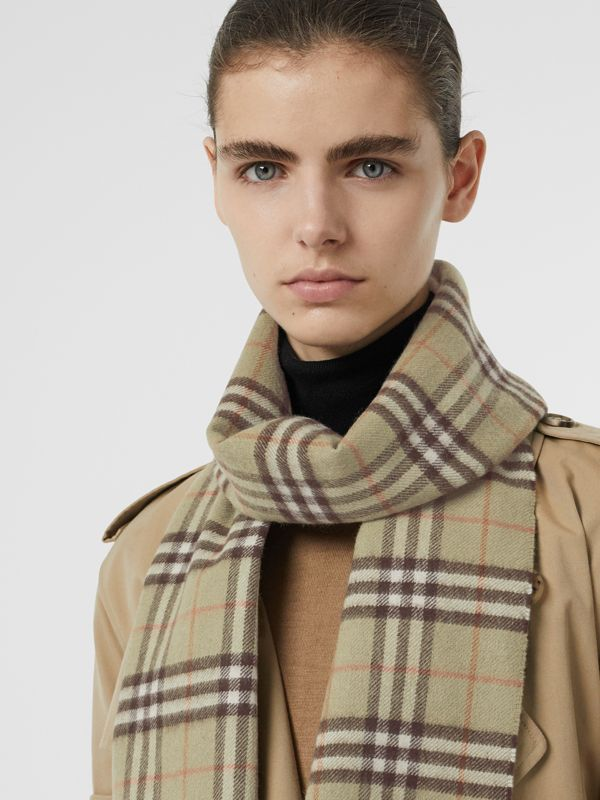 The Classic Vintage Check Cashmere Scarf in Pale Powder Green | Burberry Singapore - cell image 2