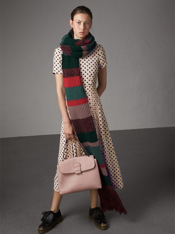 Medium Grainy Leather and House Check Tote Bag in Pale Orchid - Women | Burberry Hong Kong - cell image 3