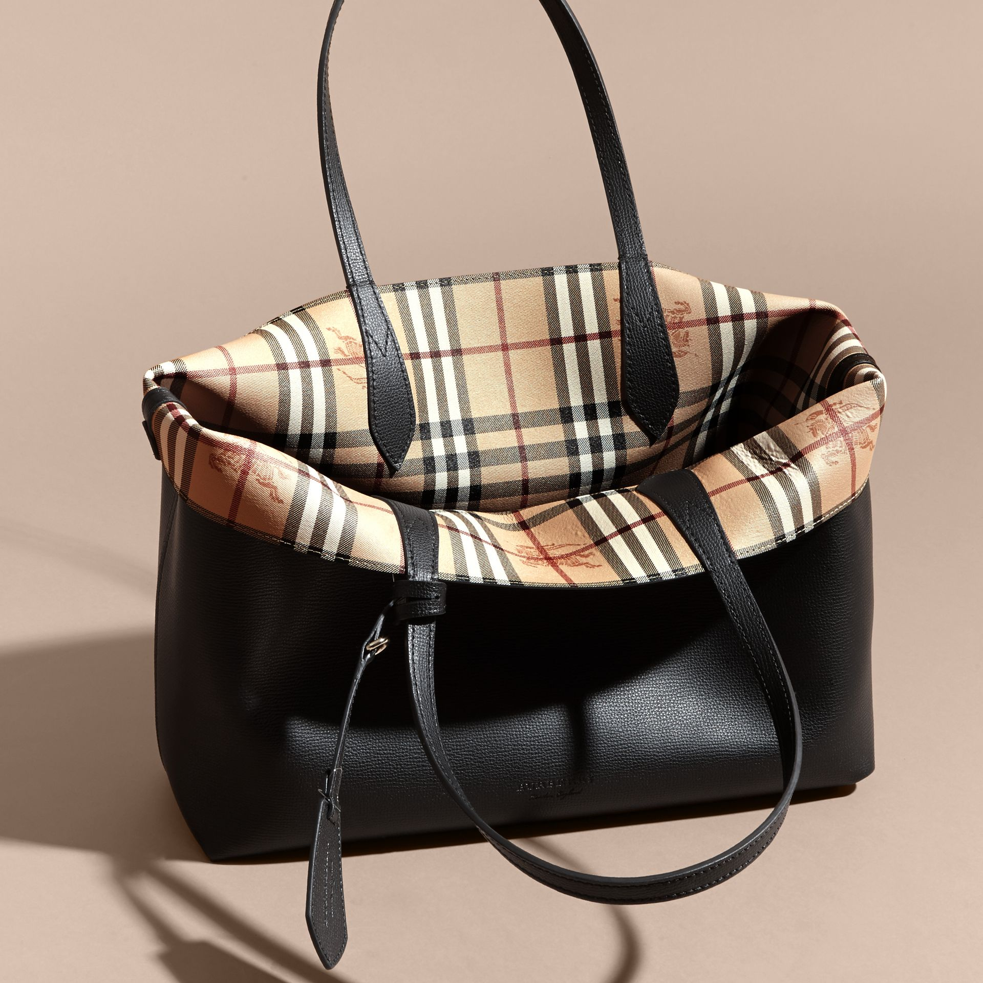 The Medium Reversible Tote in Haymarket Check and Leather in Black - Women | Burberry - gallery image 5
