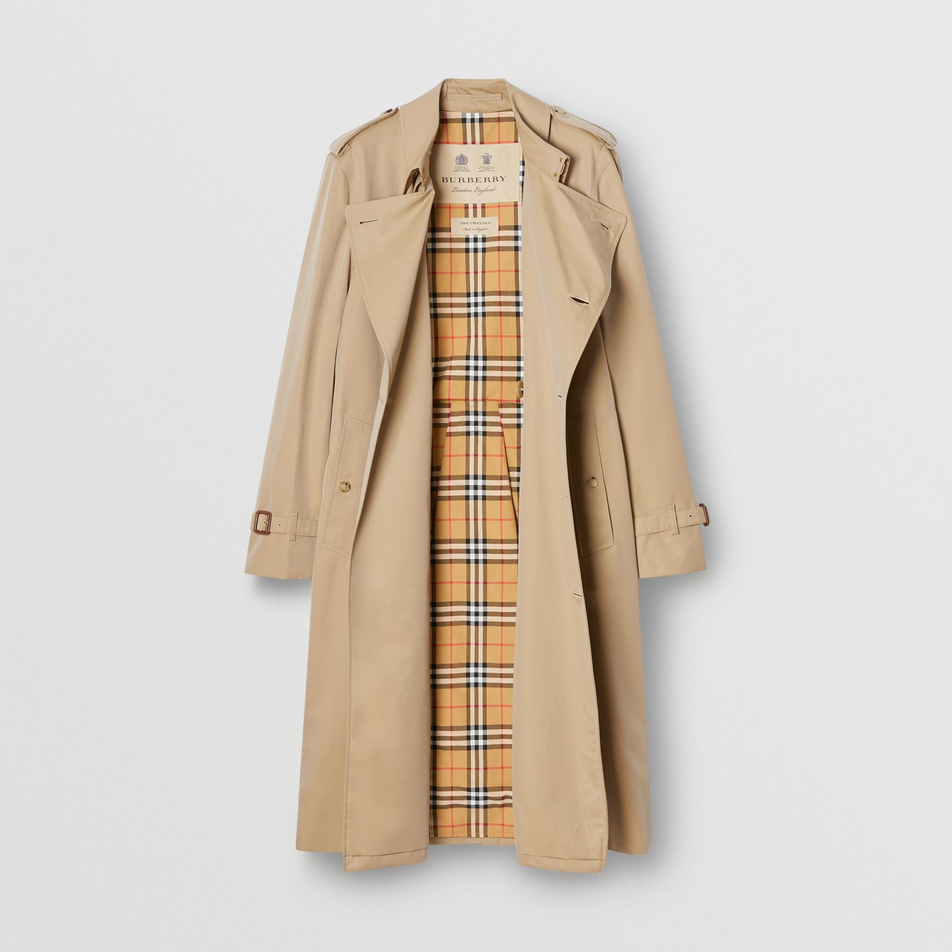 The Long Chelsea Heritage Trench Coat in Honey - Men | Burberry - gallery image 8