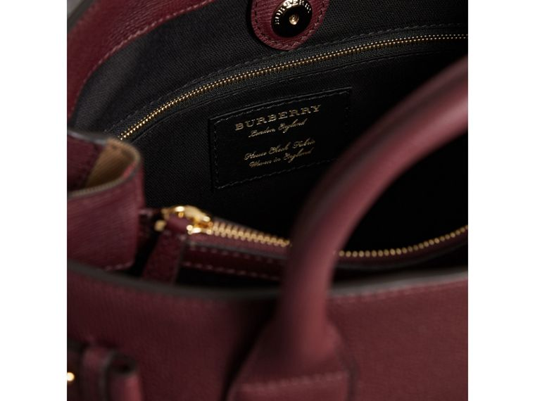 The Medium Banner in Leather and House Check in Mahogany Red - Women | Burberry United States - cell image 4