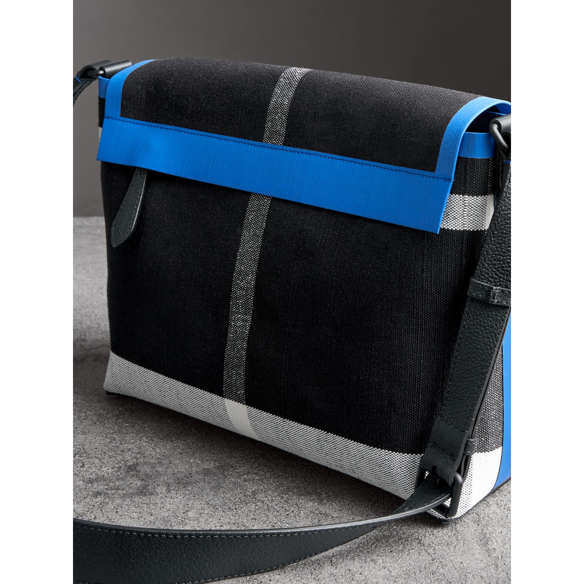 Medium Leather Trim Check Messenger Bag in Blueberry/black | Burberry Singapore - gallery image 4