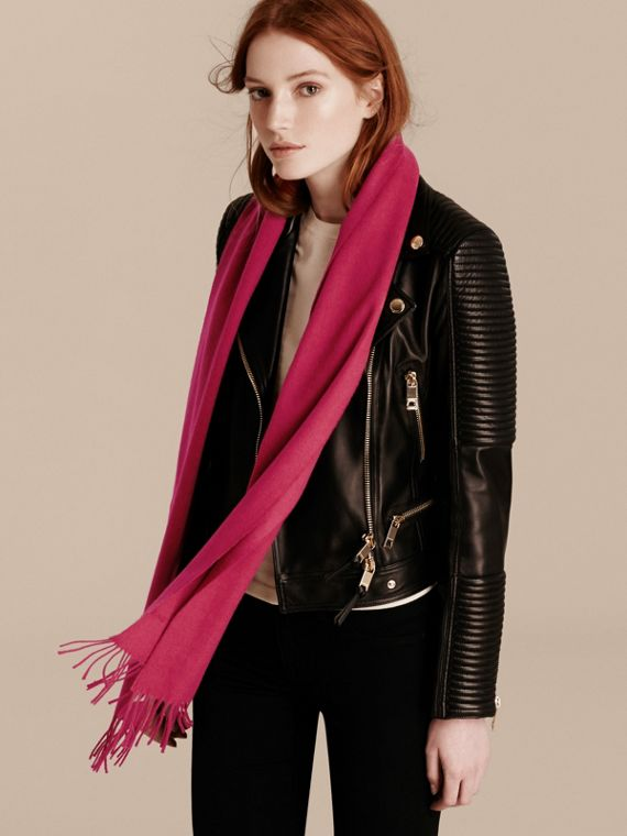 The Classic Cashmere Scarf in Fuchsia Pink | Burberry - cell image 2
