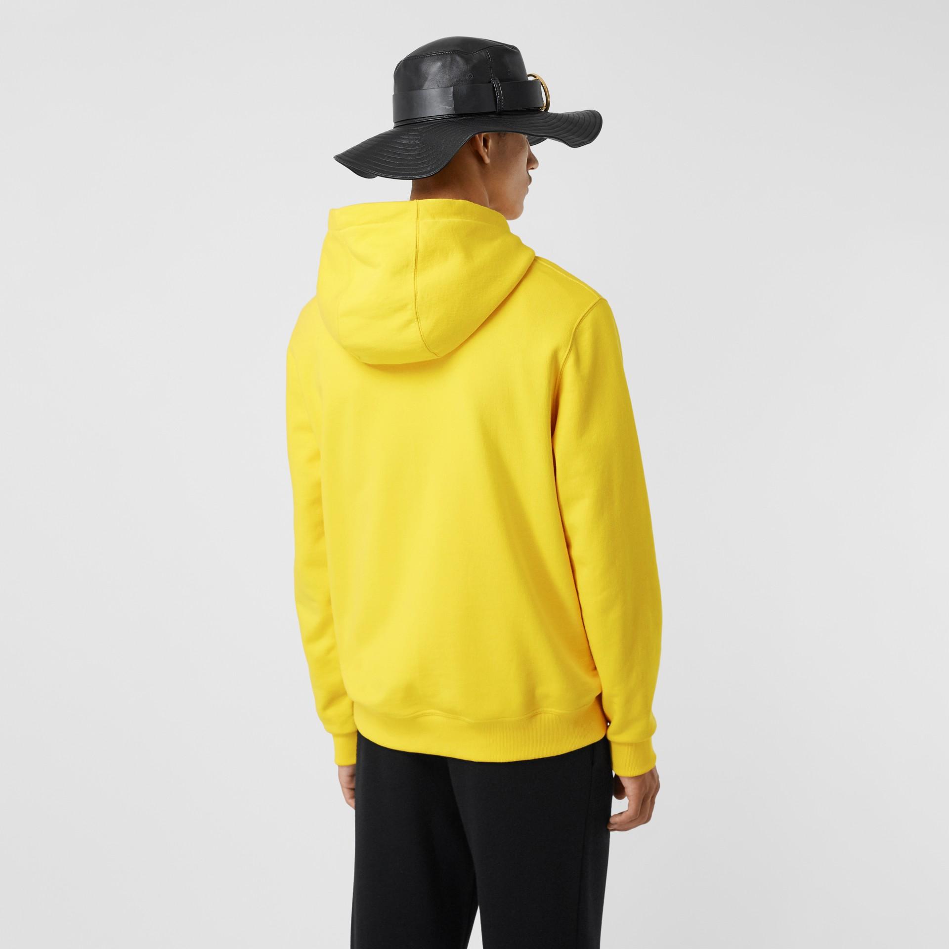 Suéter com capuz de algodão com estampa de logotipo (Amarelo Canário) - Homens | Burberry - galeria de imagens 2