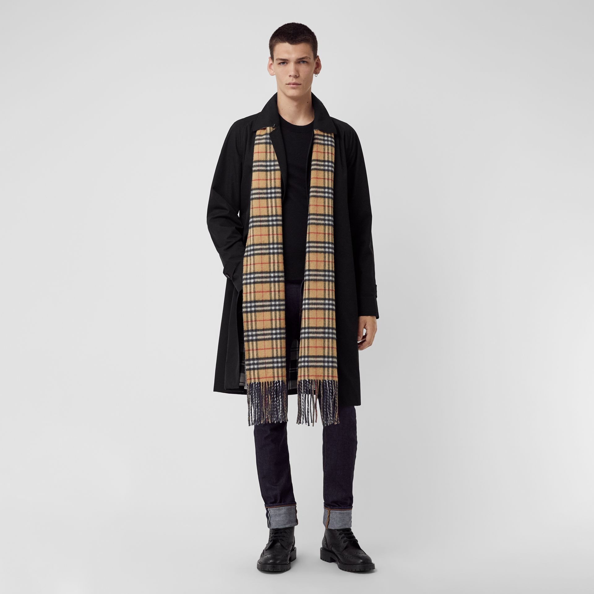 Long Reversible Vintage Check Double-faced Cashmere Scarf in Slate Blue | Burberry United States - gallery image 3