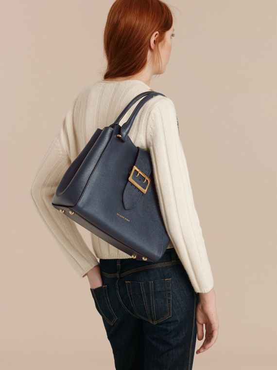 The Medium Buckle Tote in Grainy Leather in Blue Carbon - cell image 2