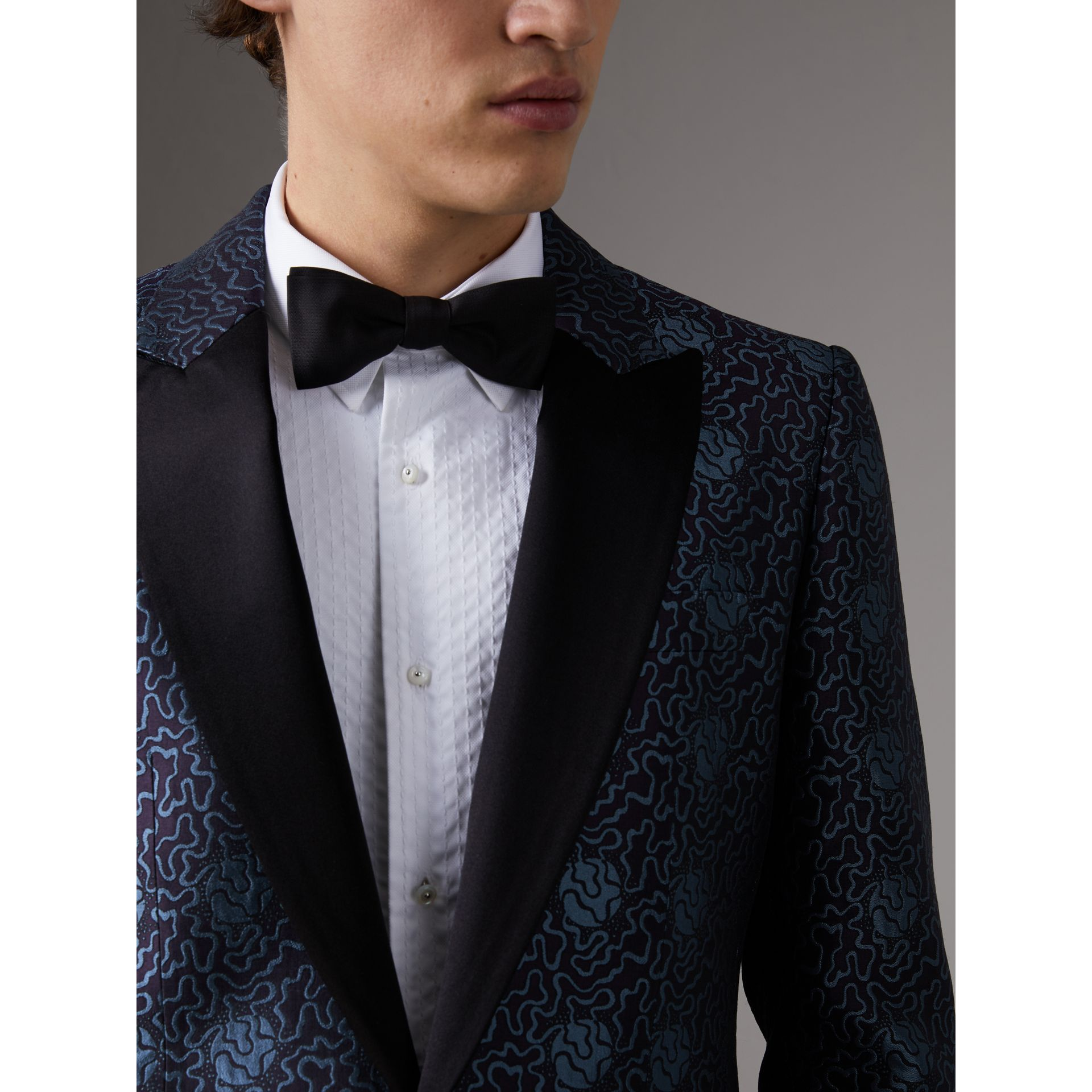 Slim Fit Swirl Silk Cotton Jacquard Evening Jacket in Steel Blue - Men | Burberry United Kingdom - gallery image 4