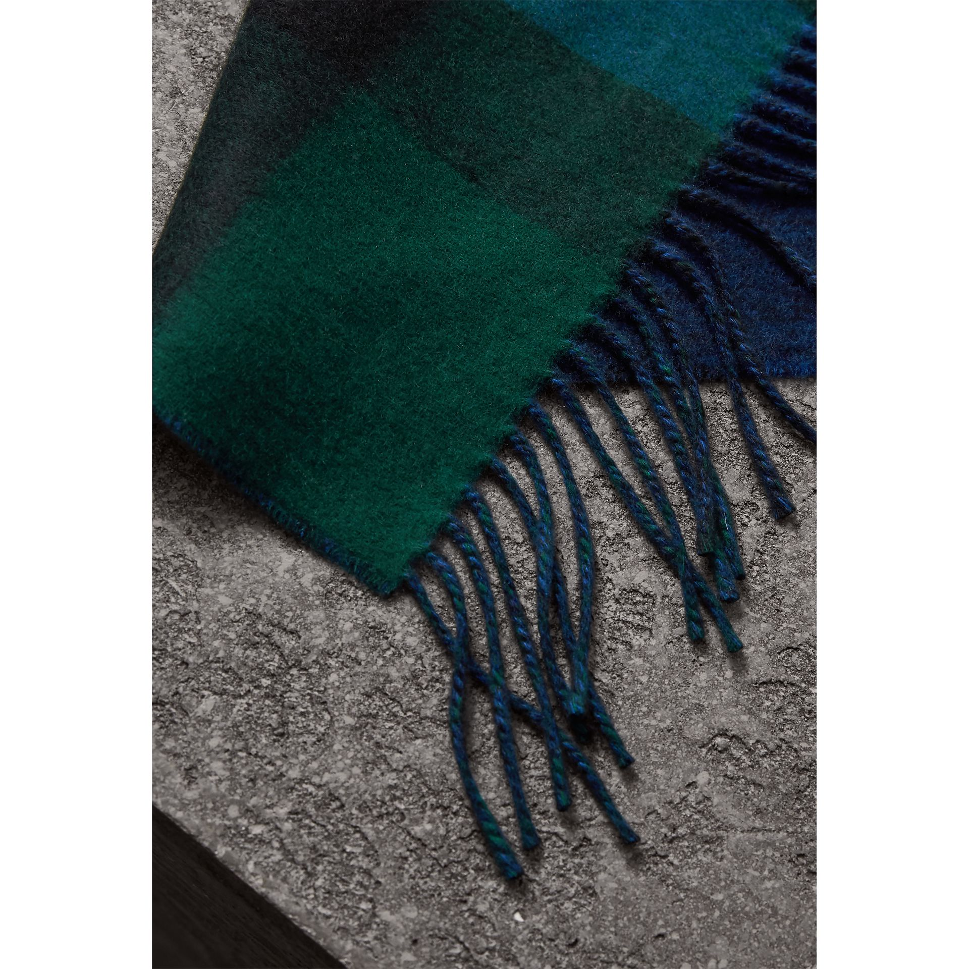 Reversible Check and Melange Cashmere Scarf in Dark Forest Green | Burberry - gallery image 2