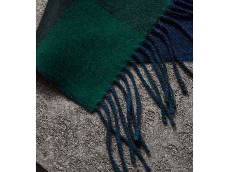 Reversible Check and Melange Cashmere Scarf in Dark Forest Green | Burberry - cell image 1