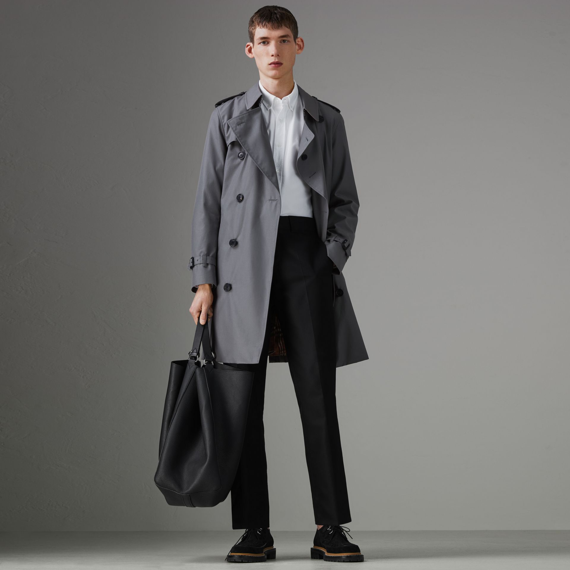 The Chelsea Heritage Trench Coat in Mid Grey - Men | Burberry United Kingdom - gallery image 0