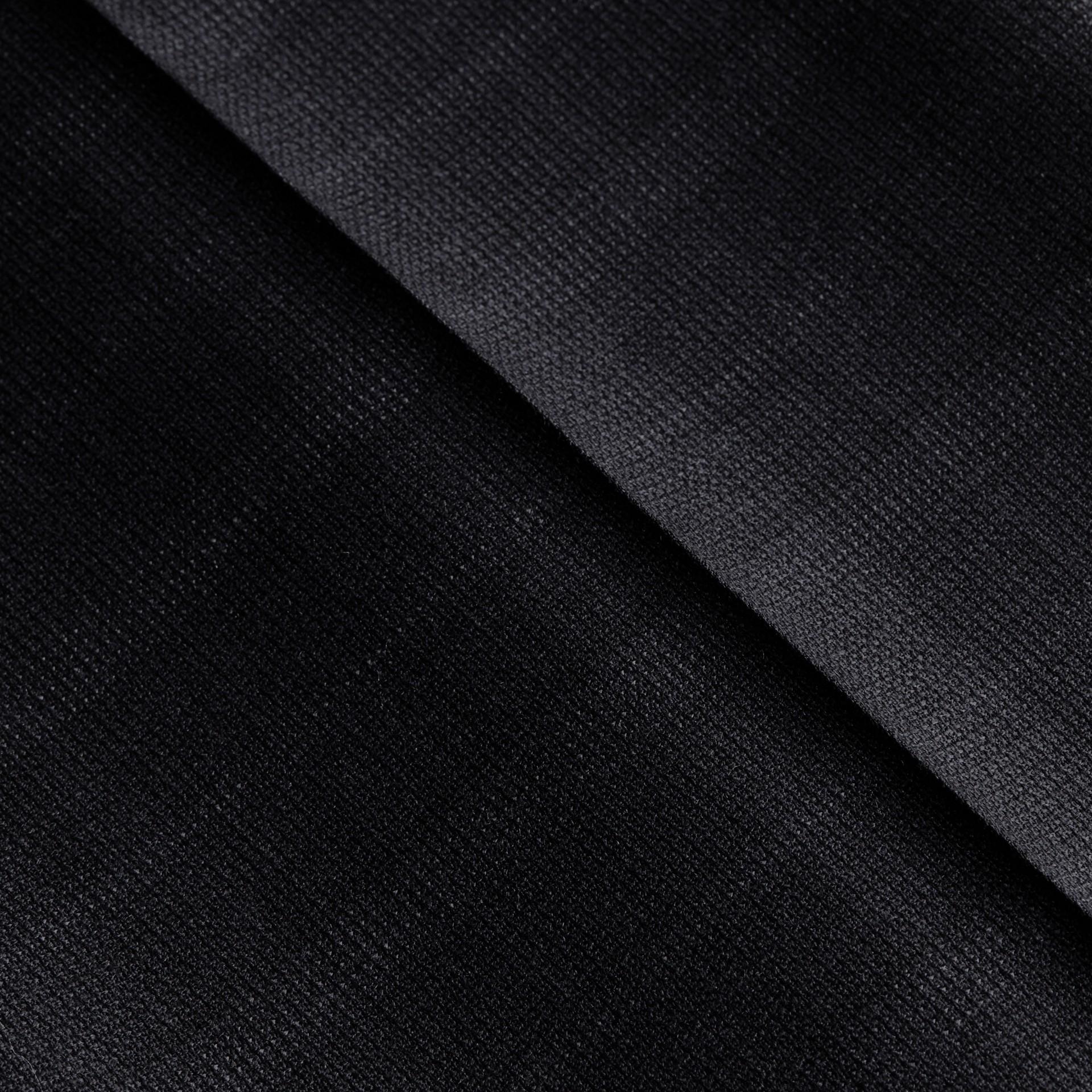 Encre Pantalon en laine de coupe slim à motif check - photo de la galerie 2