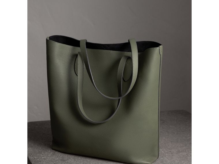 Medium Embossed Leather Tote in Slate Green | Burberry United Kingdom - cell image 4