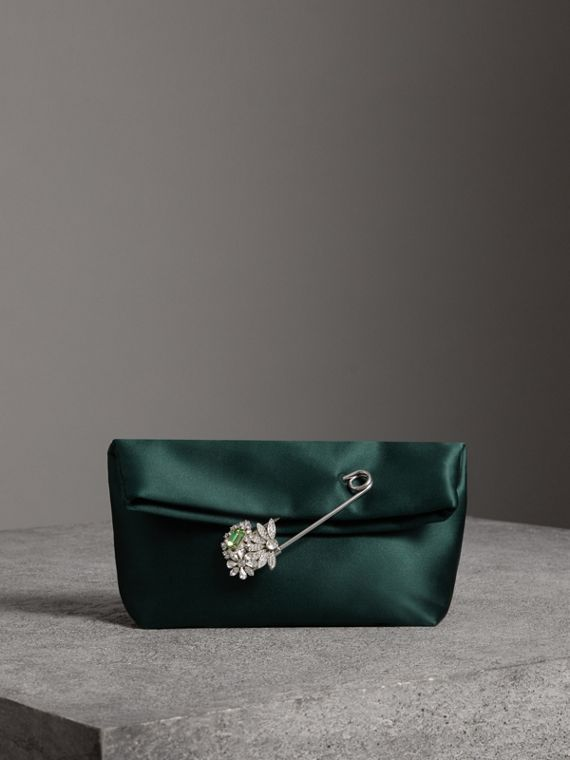 The Small Pin Clutch aus Satin (Dunkles Waldgrün)